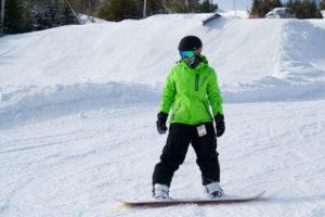 green-jacket-snowboarder